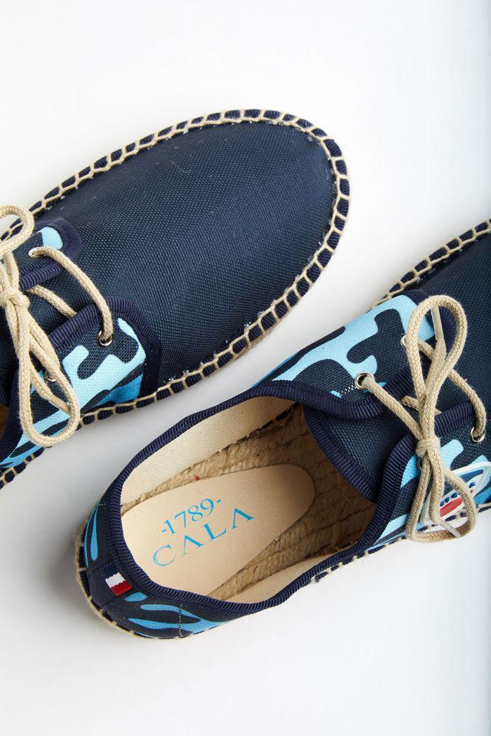 Espadrilles à lacets Motif Camouflage Bleu Marine et Caraïbes RIVIERA CAMO